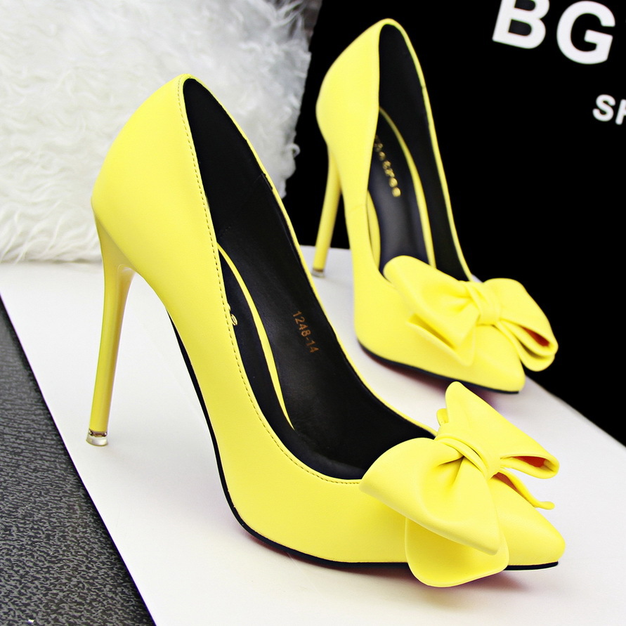 b74274d59bc9 100% high quality 2016 European Women personality sexy wedding high heels  woman Colorful Korean fashion sweet bow pointed toe Valentine s party  sandals ...
