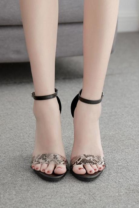 High Quality Transparent PVC Strappy Buckle Sandals Women Sandals Shoes Celebrity Wearing Simple Style High Heels